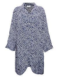 Capri NAVY Printed Longline Blouse - Plus Size 14/16 to 16/18 (M/L to L/XL)