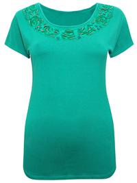 Stella Kiran GREEN Embroidered Trim Jersey T-Shirt - Size 12 to 18 (EU 40 to 46)